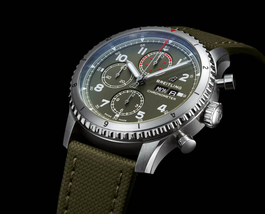 שעון הברייטלינג Aviator 8 Chronograph 43 Curtiss Warhawk. מקור - SJX.