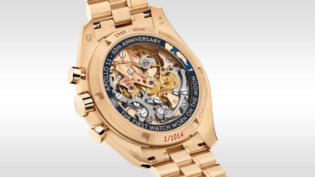 הגב המיוחד של שעון האומגה ספידמסטר אפולי 11 יובל ה-50. מקור - אומגה.