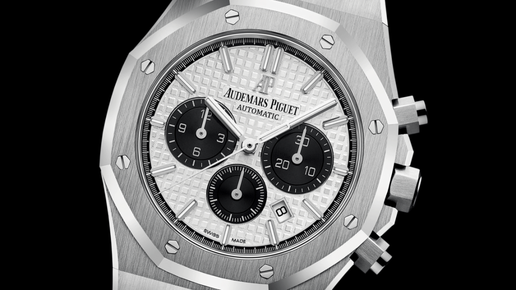 שעון אודמר פיגה רויאל אוק כרונוגרף פנדה. מקור - TimeZone.
