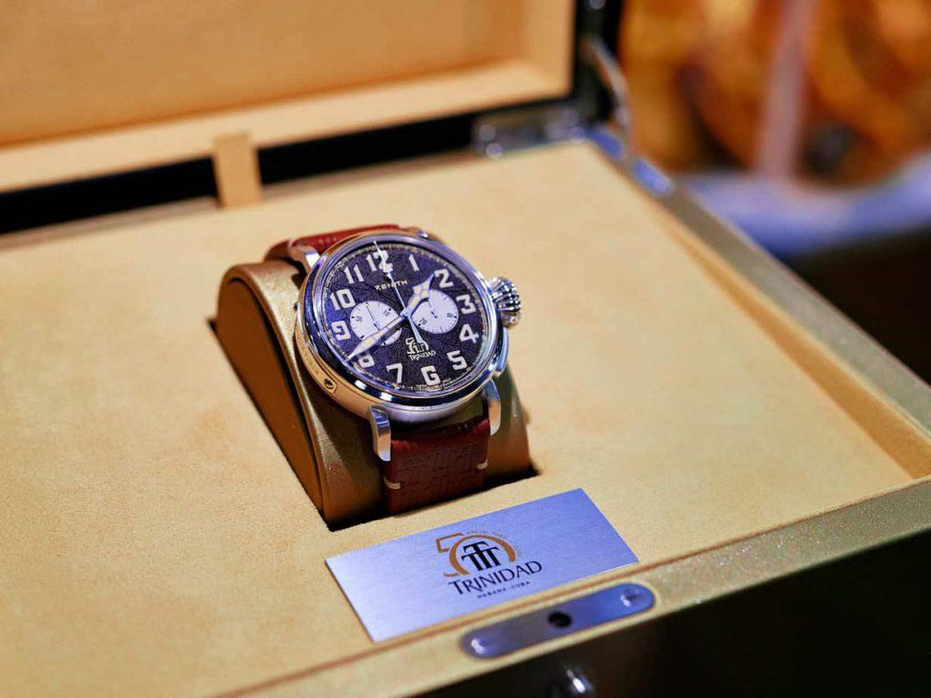 שעוני סדרת ה-Pilot Type 20 כרונוגרף טרינידד של זניט. מקור - Horobox.