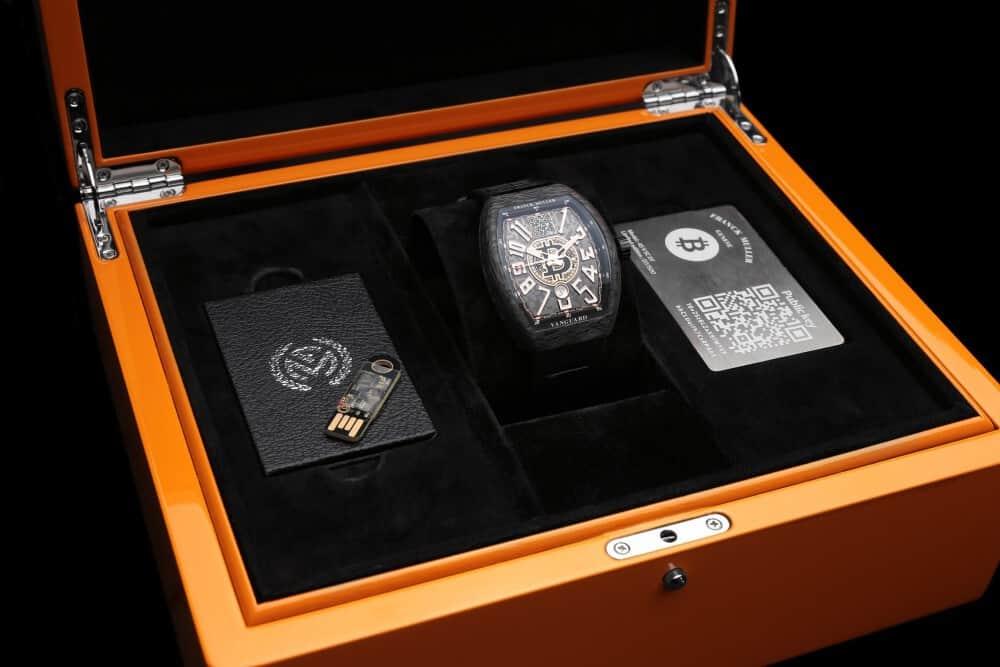 אריזת שעון האנקריפטו של פרנק מולר. מקור - פרנק מולר.