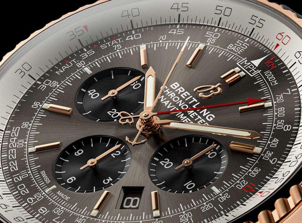 הלוח המיוחד של השעון עם צבע ה-Stratos Gray. מקור - TimeandWatches.