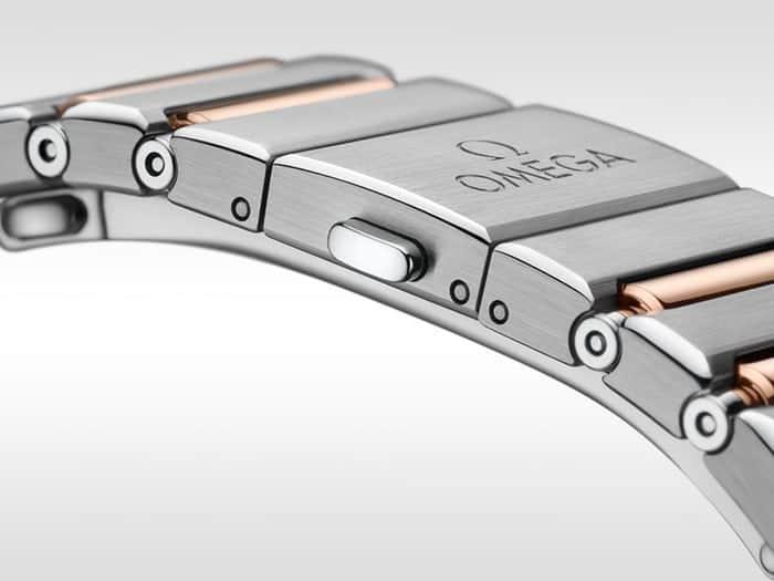 הצמיד החדש של השעונים עם פטנט מיוחד להתאמה. מקור - Hodinkee.