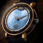 שעון המחווה לסקאדי בעל שילוב המתכות, פלדת הדמשק ולוח הפנינה הייחודי עם אפקט הלומינובה. מקור: אינסטגרם גוס הרשמי
