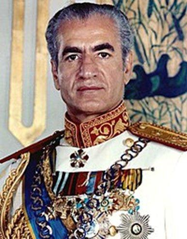 """השאה האיראני """"מוחמד רזא"""" הינו הלקוח הראשון של שעון הרויאל אוק. מקור:ויקיפדיה"""