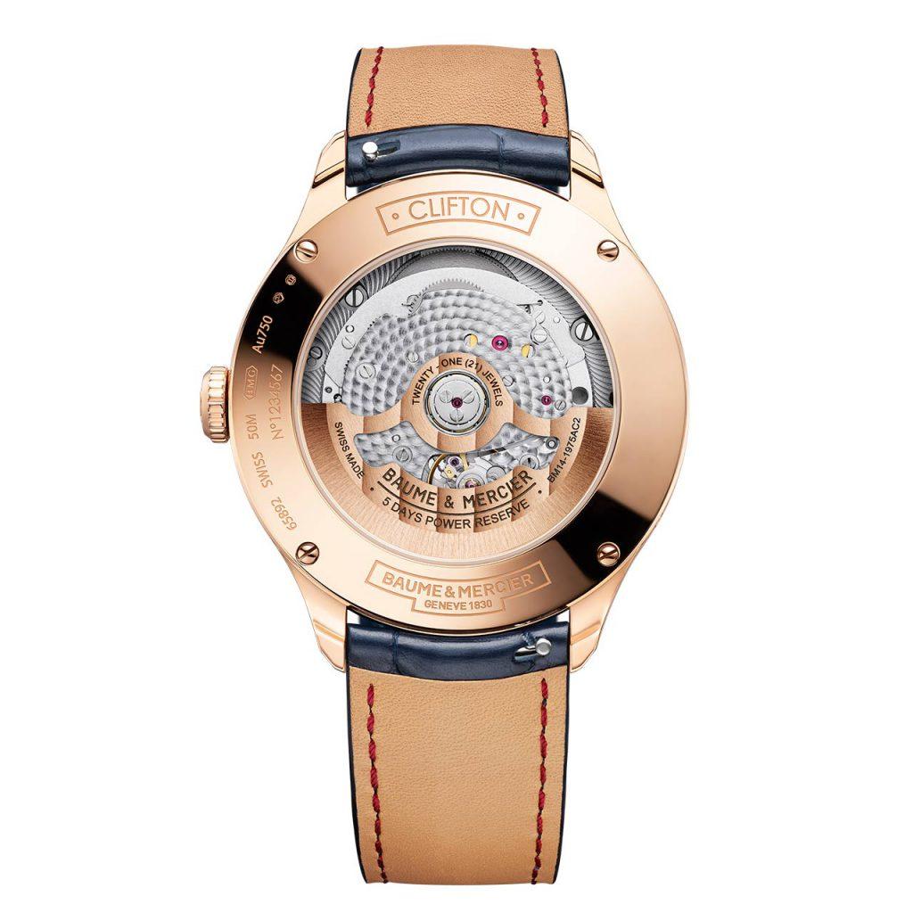 עיטורי ה-Côtes de Genève על מנגנון השעון. מקור - TimeandWatches.