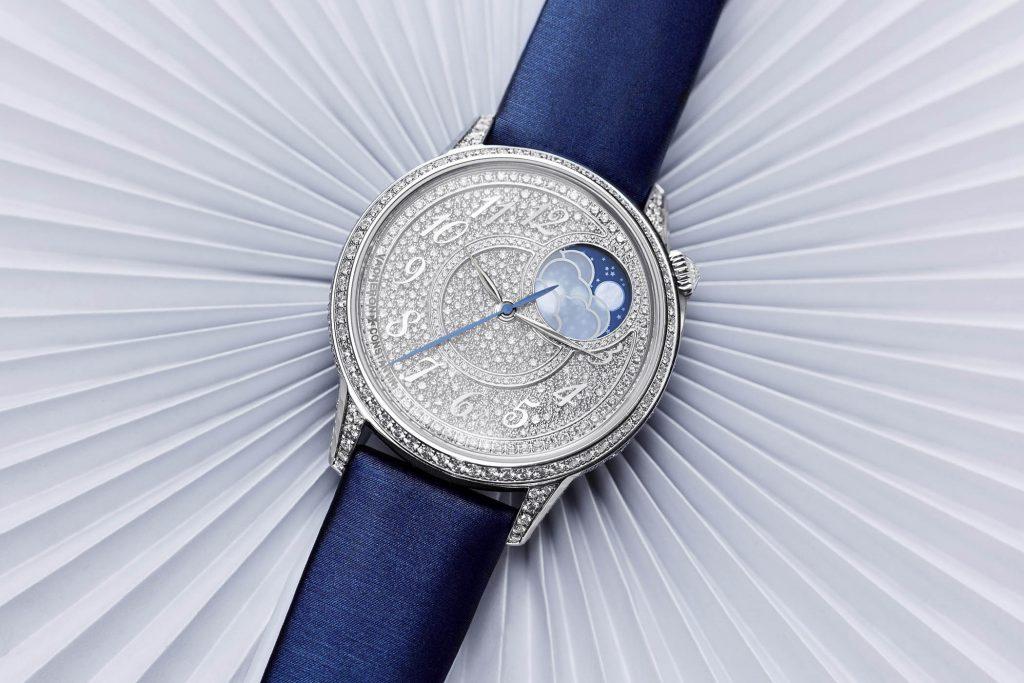 הדגם עם שיבוץ היהלומים בקולקצייה. מקור - Monochrome Watches.