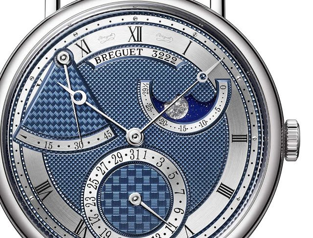 גרסת הזהב הלבן של הקלאסיק 7137. מקור - Timeandwatches.