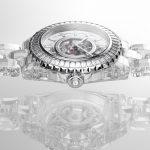 שאנל J12 X-Ray עם גוף וצמיד מזכוכית ספיר. מקור - Monochrome Watches.