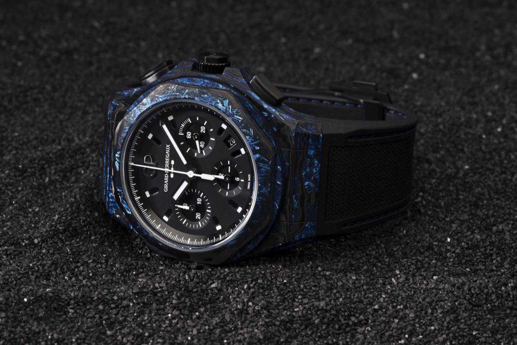 סגסוגת מיוחדת המשלבת קרמיקה וזכוכית בגוף השעון. מקור - Revolution.