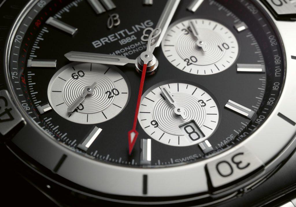 ברייטלינג כרונומט 2020 - לוחות קריאים במיוחד. מקור - Watchesbysjx.