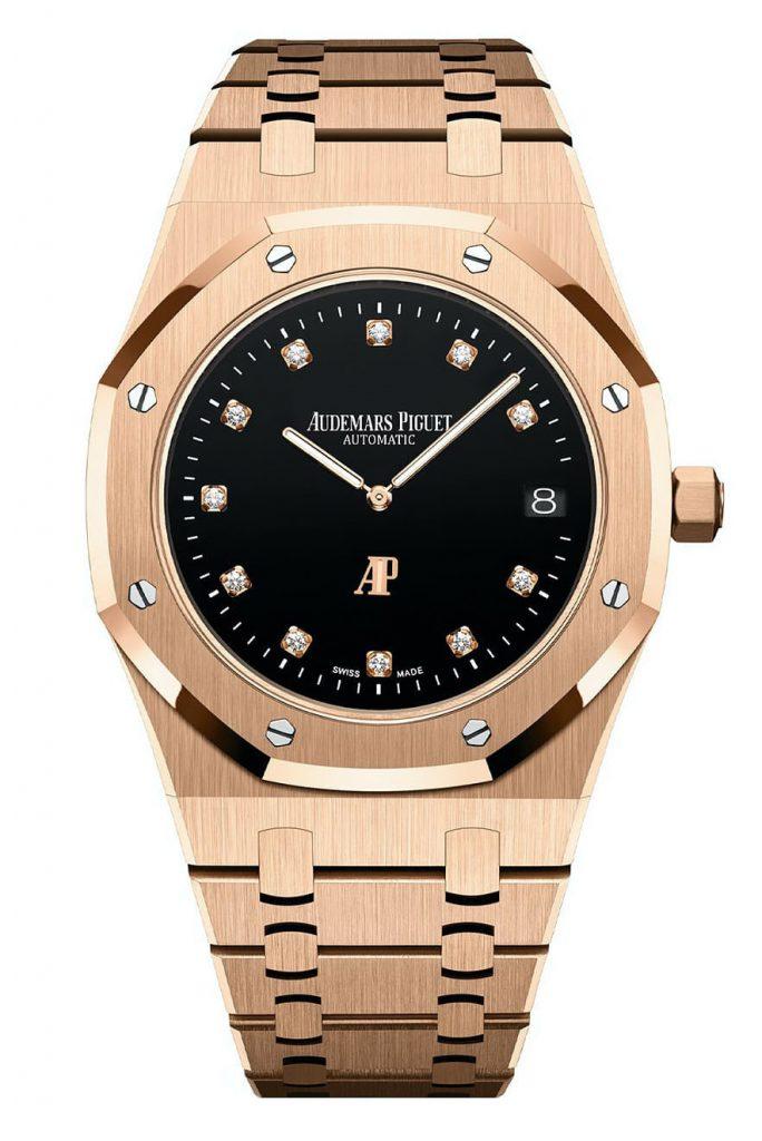 גרסת הזהב של השעון. מקור - Monochrome Watches.