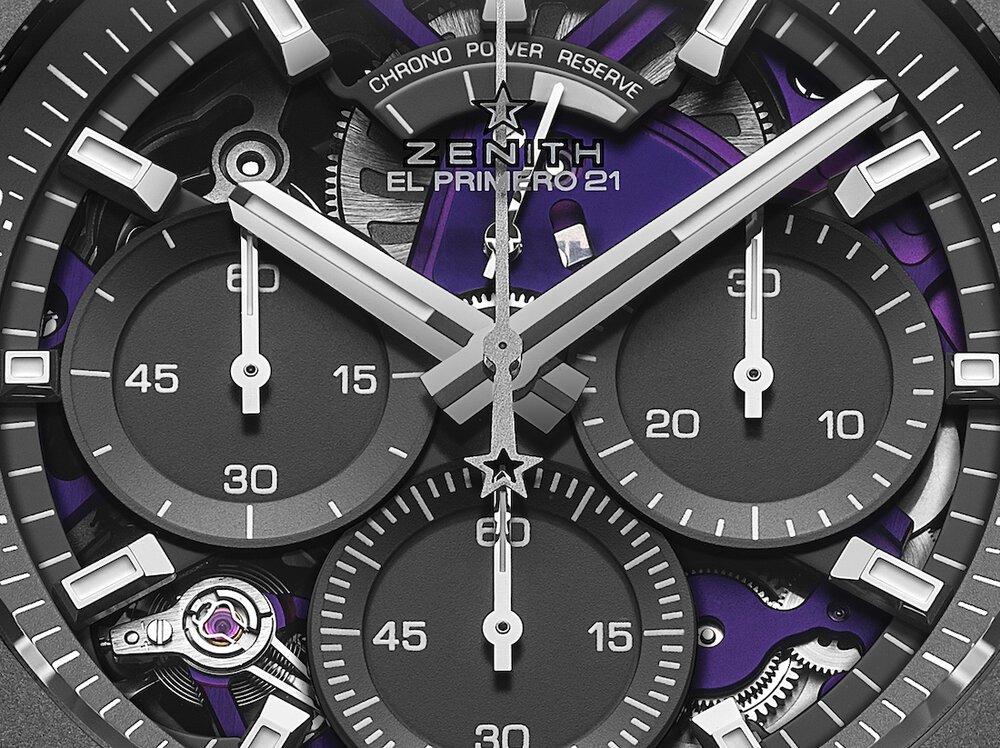 זניט Defy 21 Ultraviolet - הלוח הפתוח של השעון עם הצבע הסגול ברקע. מקור - WatchCollectingLifestyle.