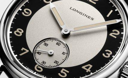 דגם ה-Small Secondws עם הלוח המיוחד. מקור - Monochrome Watches.