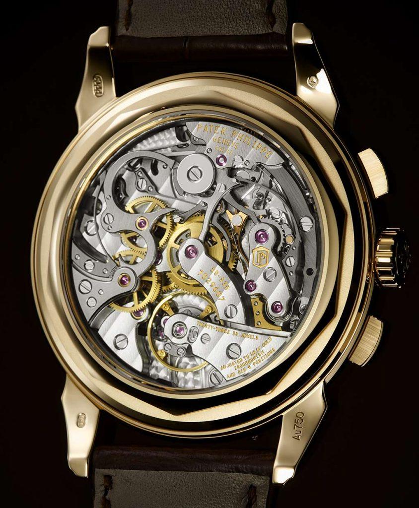 הקליבר המרהיב. פטק פיליפ תספק גב אטום מזהב צהוב ביחד עם השעון. מקור - TimeandWatches.