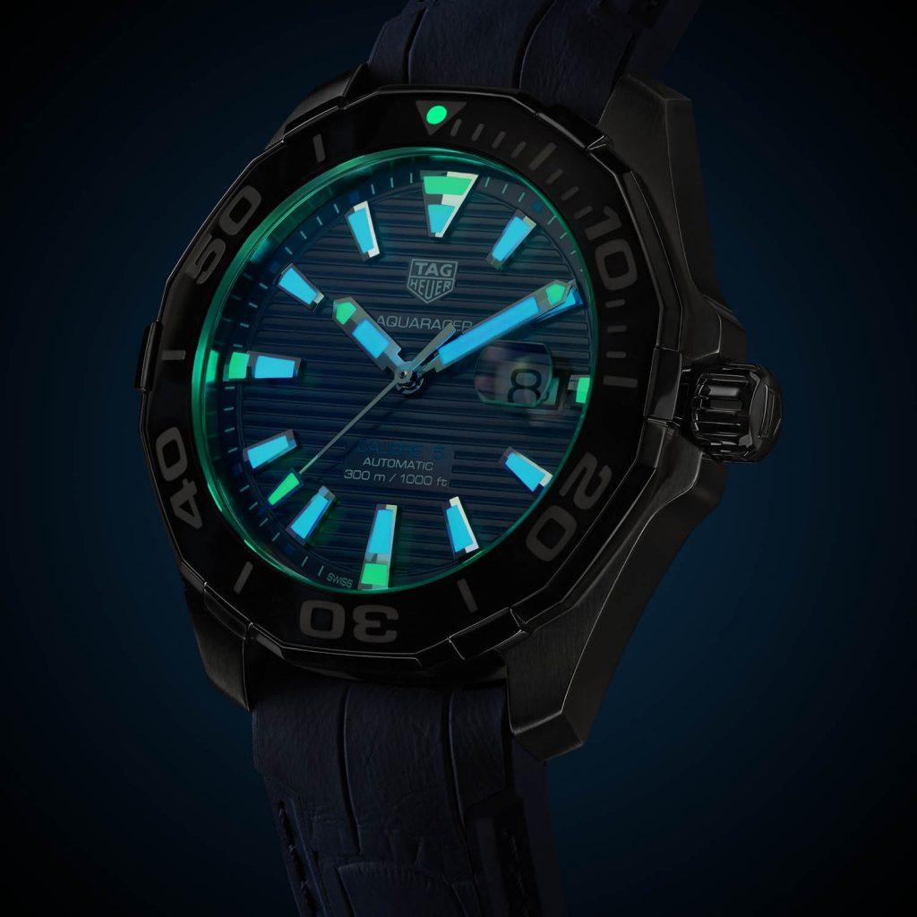 תאורת סופר לומינובה בהירה במיוחד. מקור - Monochrome Watches.