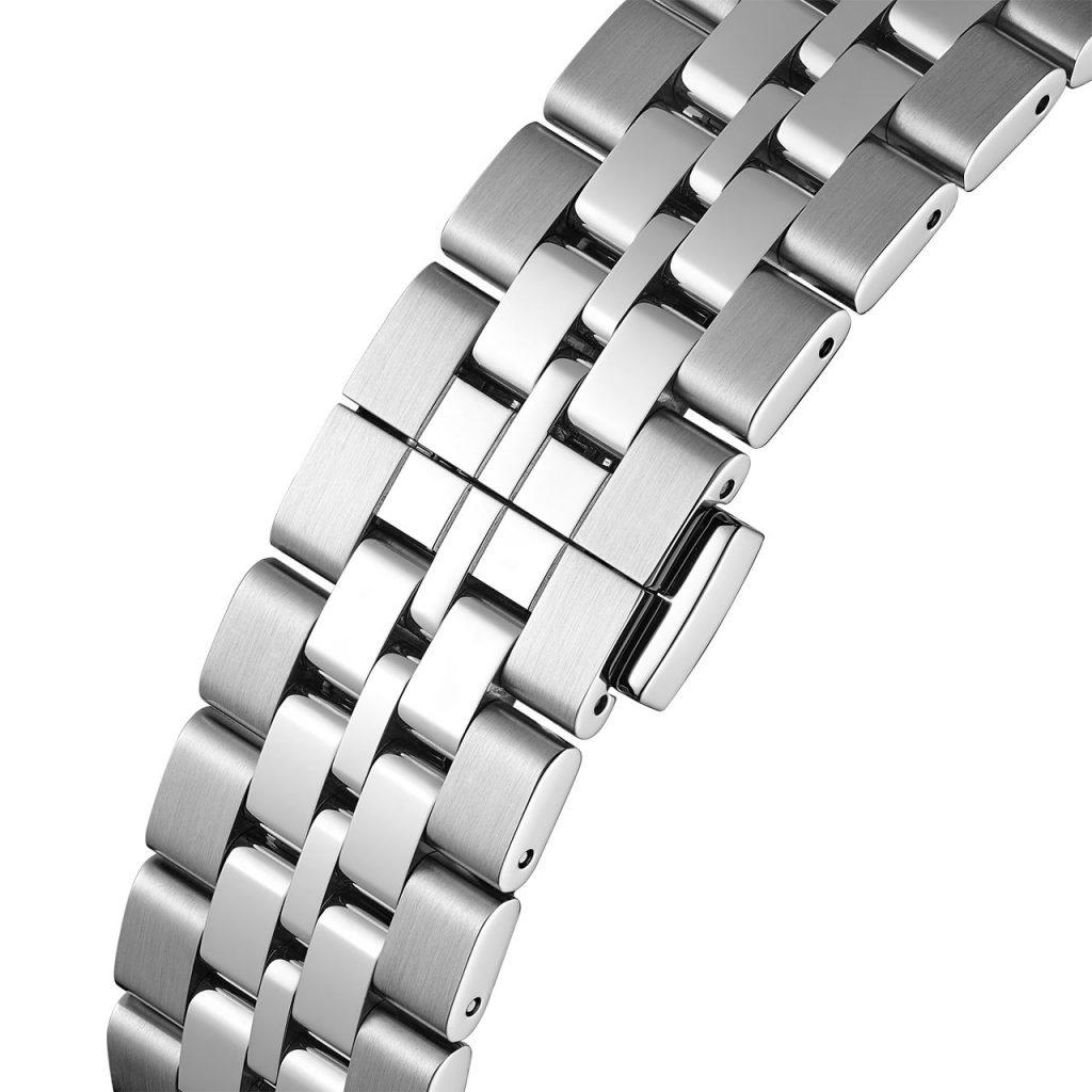 צמיד מתכת עם חמש שורות של חוליות. מקור - TimeandWatches.