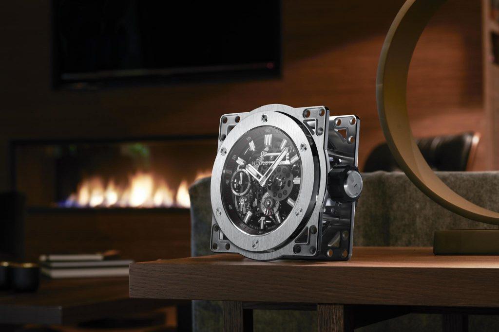 הובלו פנתה ליצרנית שעונים שולחניים נודעת לייצור השעון החדש. מקור - הובלו.