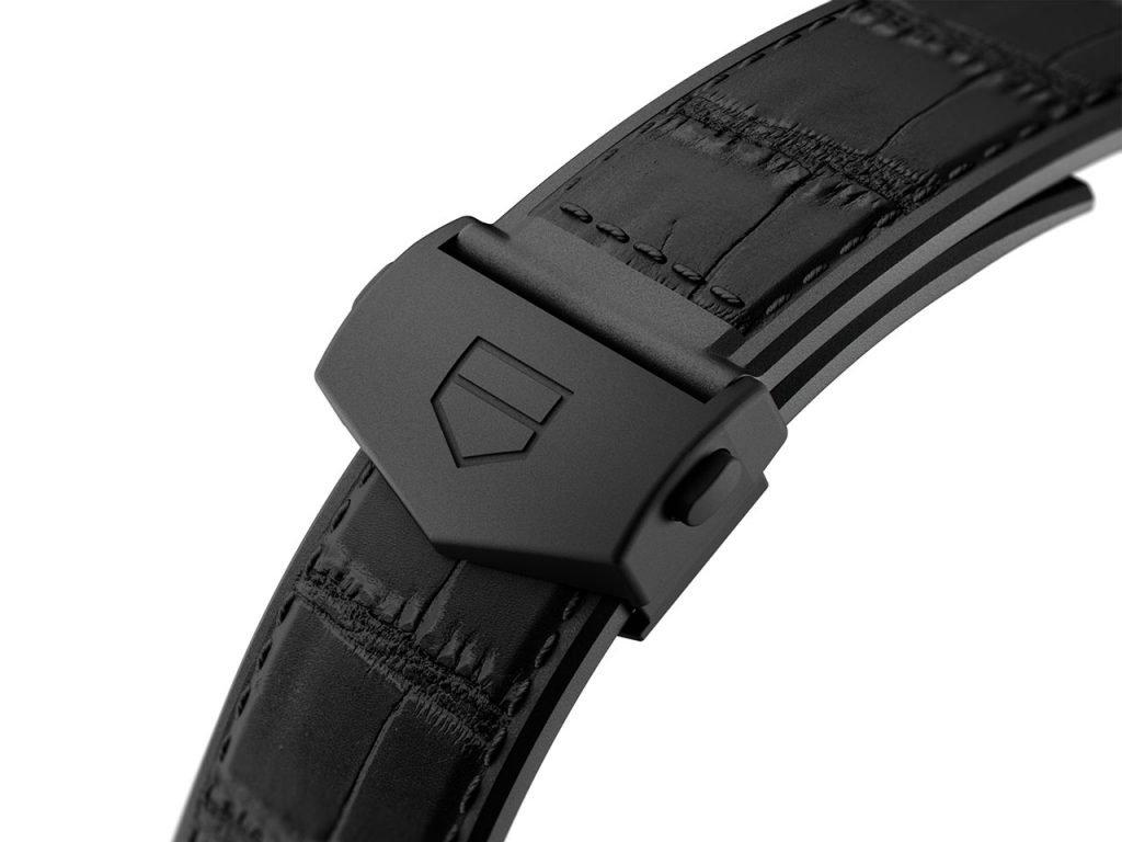 קררה כרונוגרף ג'ק הויר זהב - רצועת השעון. מקור - TimeandWatches.