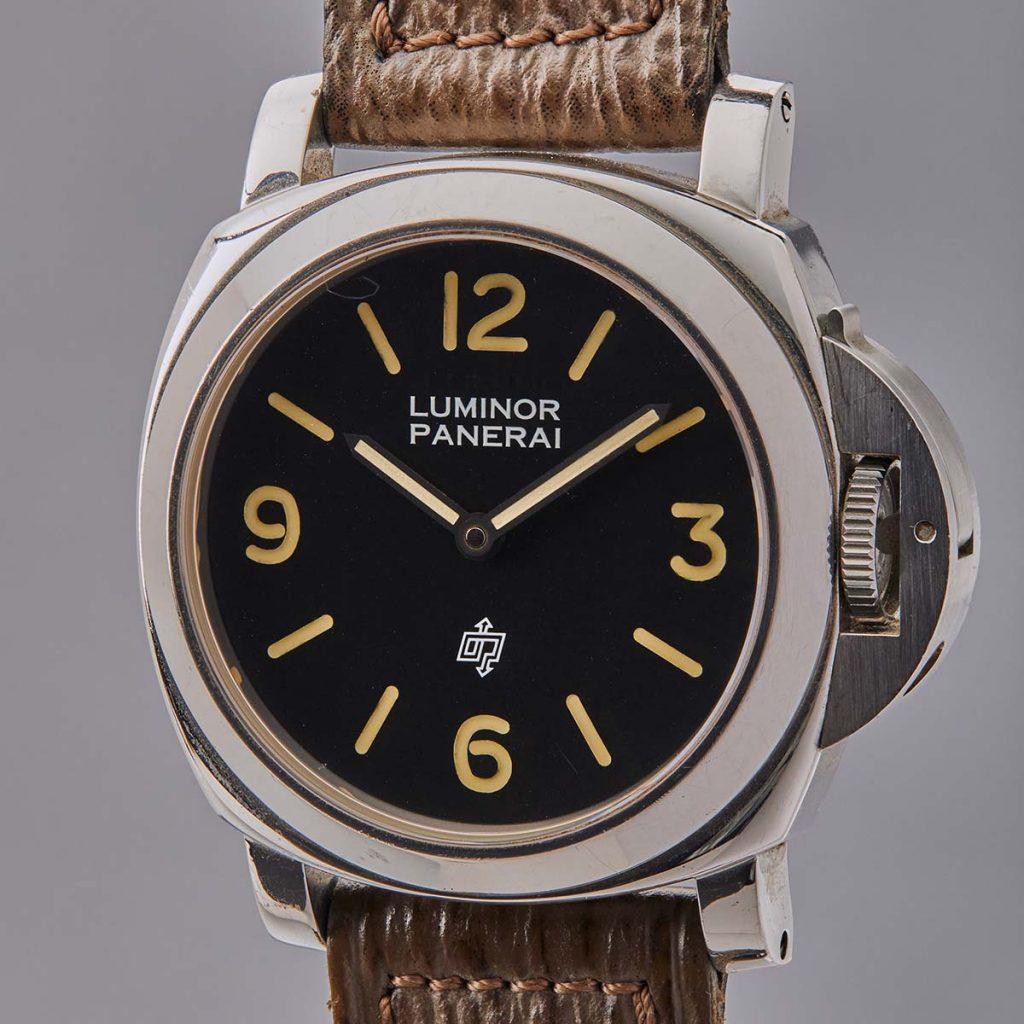 לקנות שעון של רמבו. פנריי לומינור של סילבסטר סטאלון. מקור - TimeandWatches.