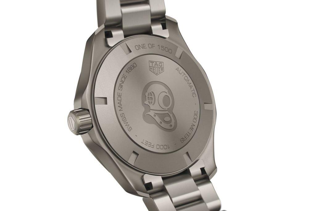 הכיתוב 1 מ-1500 בגב השעון. מקור - Hodinkee.