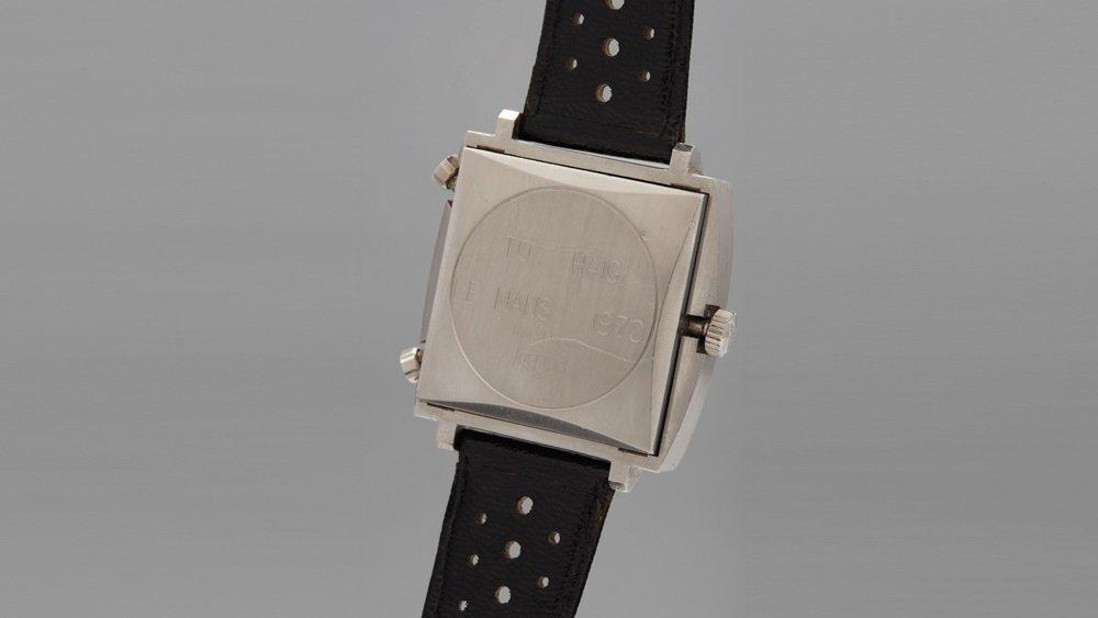 שני שעונים אייקוניים ונדירים. ההקדשה של מקווין בגב השעון. מקור - פיליפס.