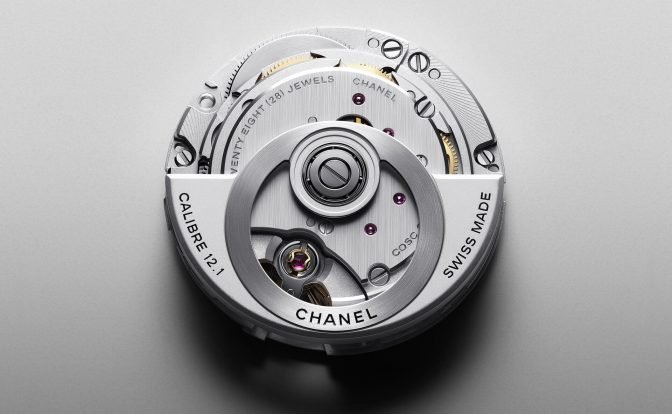 קליבר J12 של שאנל מתוצרת קניסי. מקור - hautehorlogerie.org.