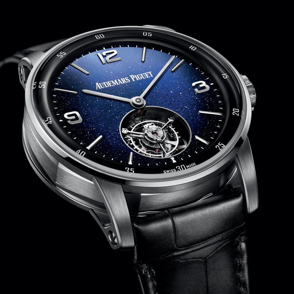 גוף העשוי מזהב לבן עם לוח כחול מרהיב. מקור - Monochrome Watches.