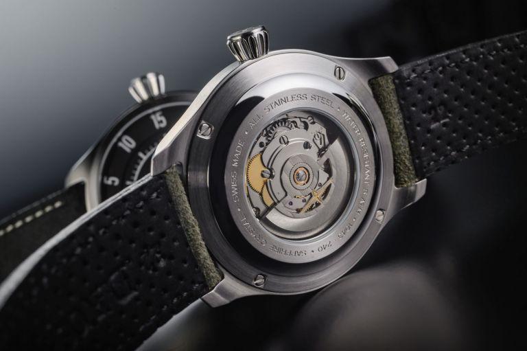 רוטור סקלטון וגב שעון שקוף. מקור - דבוסה.