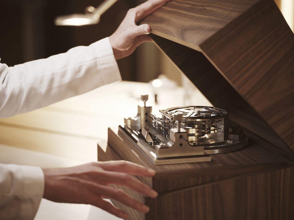 """Atelier d'Antoine"" - סדנאות לשענות של יגר לה-קולטרה. מקור - WATCHILOVE."