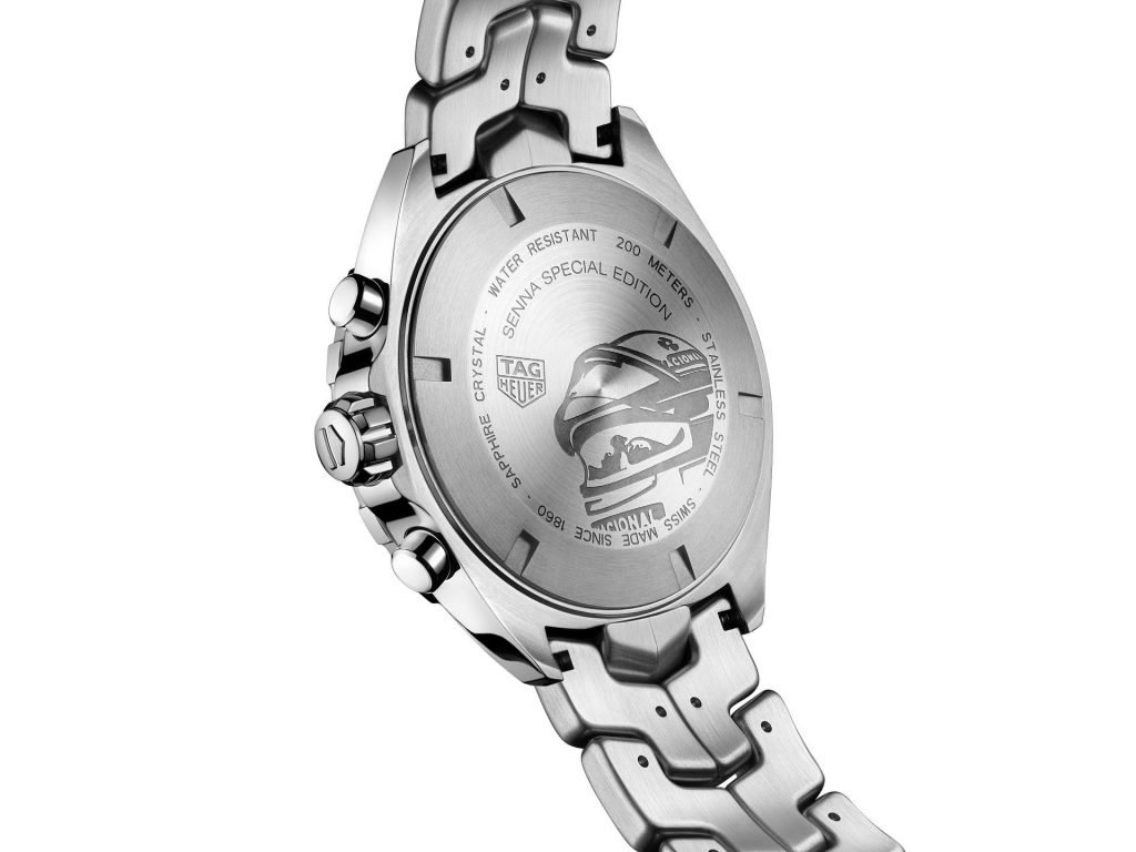 הקסדה של סנה בגב השעון. מקור - WATCHILOVE.