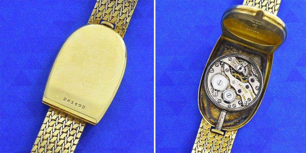 מנגנון המתיחה הידנית בגב השעון. מקור - Vintage Watch Story.