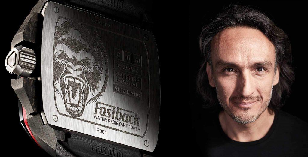 אוקטביו גרסיה ושעון של GORILLA WATCHES. מקור - WATCHTIME.ME.