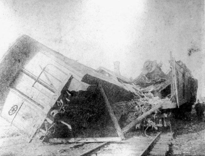 תאונת הרכבות בקיפטון. מקור - thetruthaboutwatches.