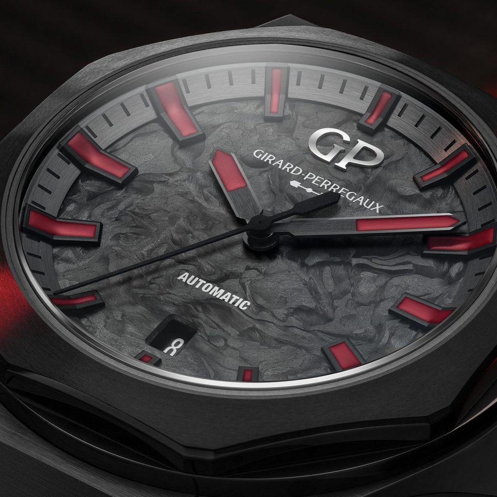הלוח המרהיב של השעון. מקור - Monochrome Watches.
