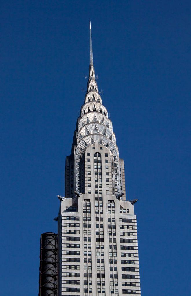 ארט דקו ושעוני יוקרה - בניין קרייזלר בניו יורק הבנוי בסגנון הארט דקו. מקור - ויקיפדיה.