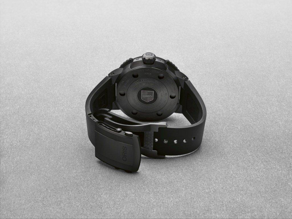 גוף העשוי מטיטניום בציפוי DLC שחור. מקור - Watchilove.