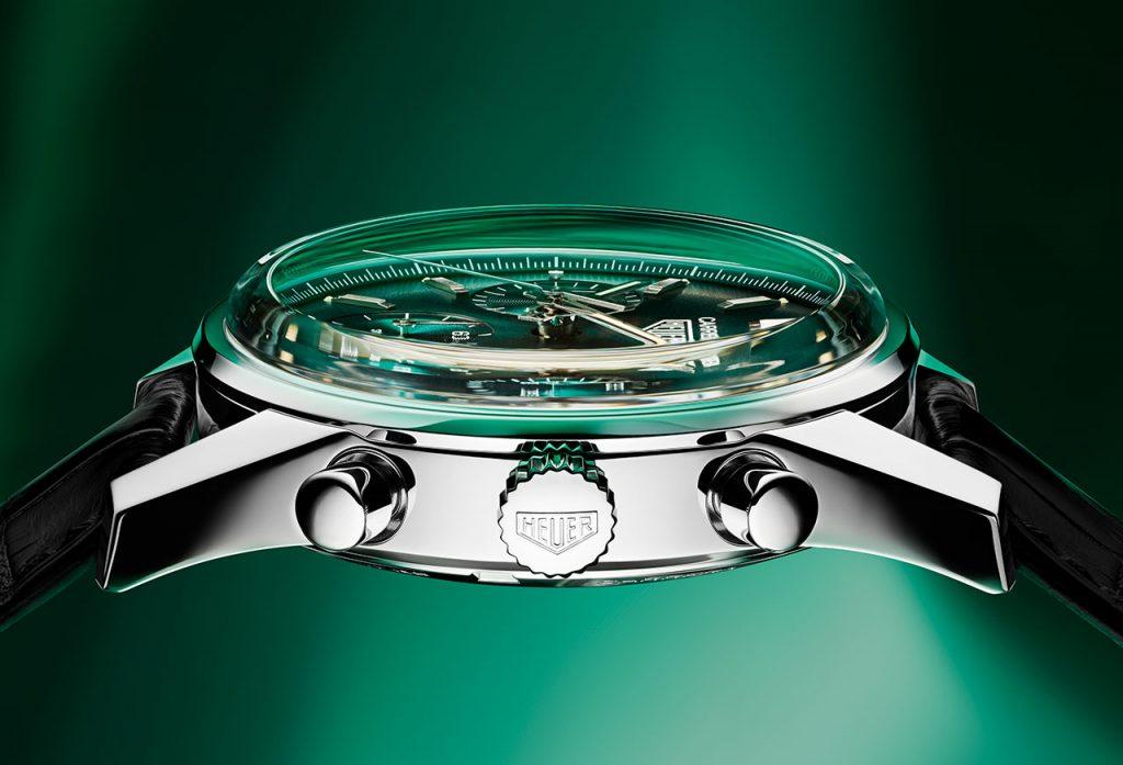 זכוכית ספיר הכיפתית של השעון. מקור - TimeandWatches.