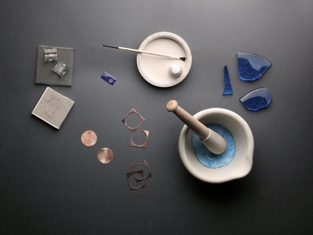 בוחרים צבעים ללוחות השעונים. מקור - אתר החברה.