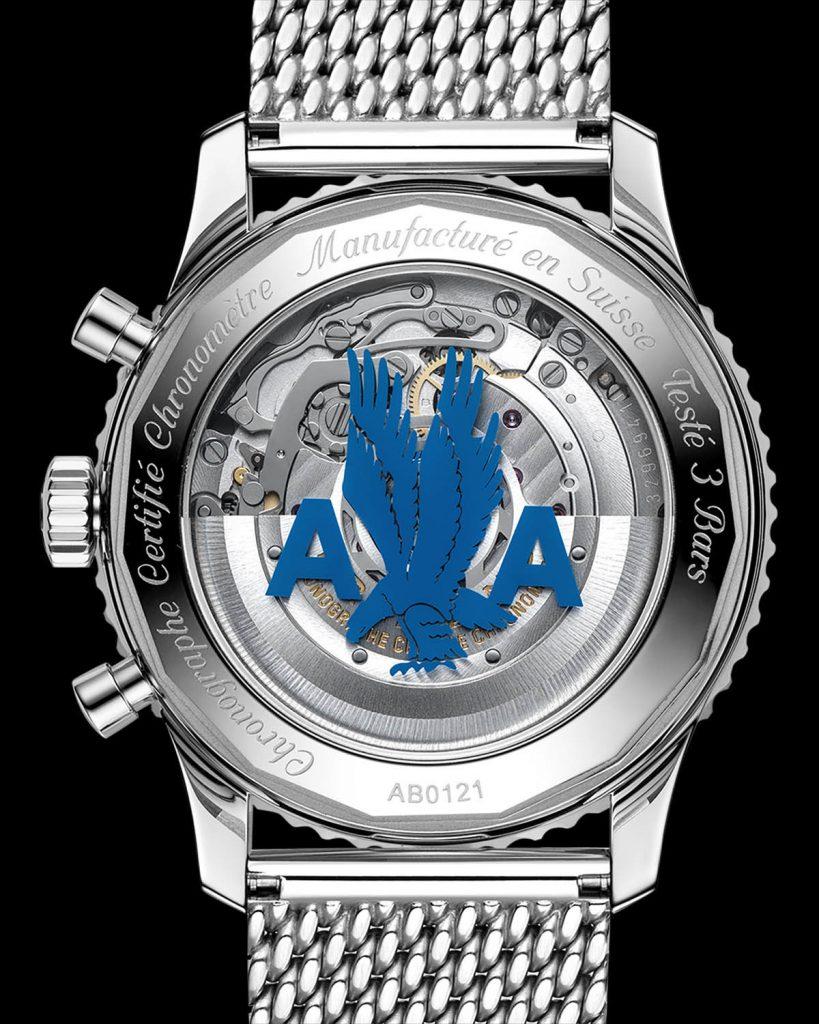 הגב השקוף של השעון והלוגו של אמריקן איירליינס. מקור - Watchonista.