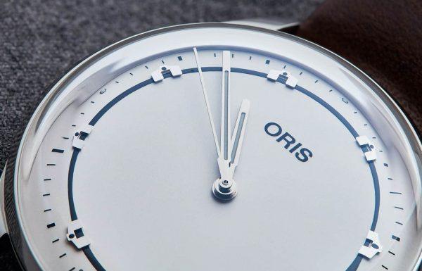אוריס משיקה שעון נקי במיוחד לזכרו של מתופף הג'אז המפורסם ארט בלייקי